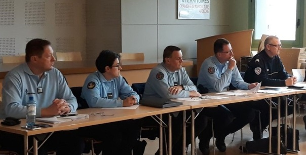 gendarmes à la chambre'